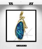 MK0014:  Pendentif opale, or et diamants