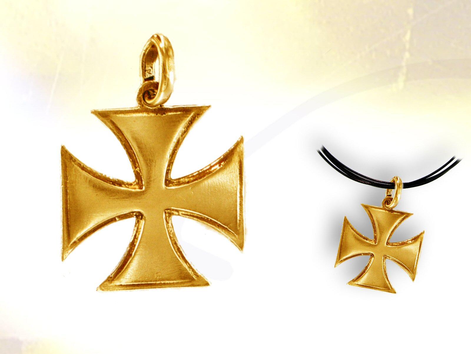 Pendentif croix pattee